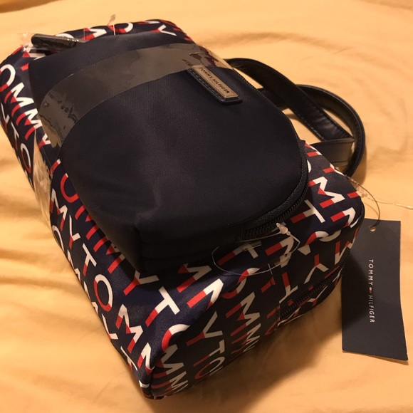 ebc735e894a4 Tommy Hilfiger Cosmetic Travel Bag Case NWT Tote NWT